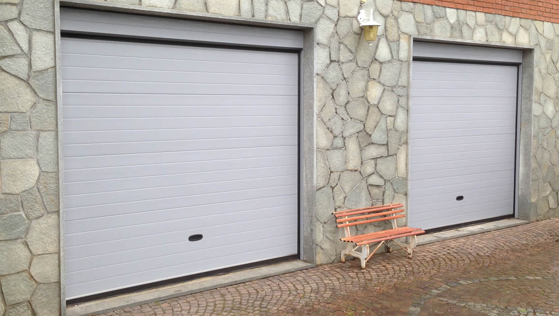 Neat porte per garage in legno de07 pineglen for Garage ben autos