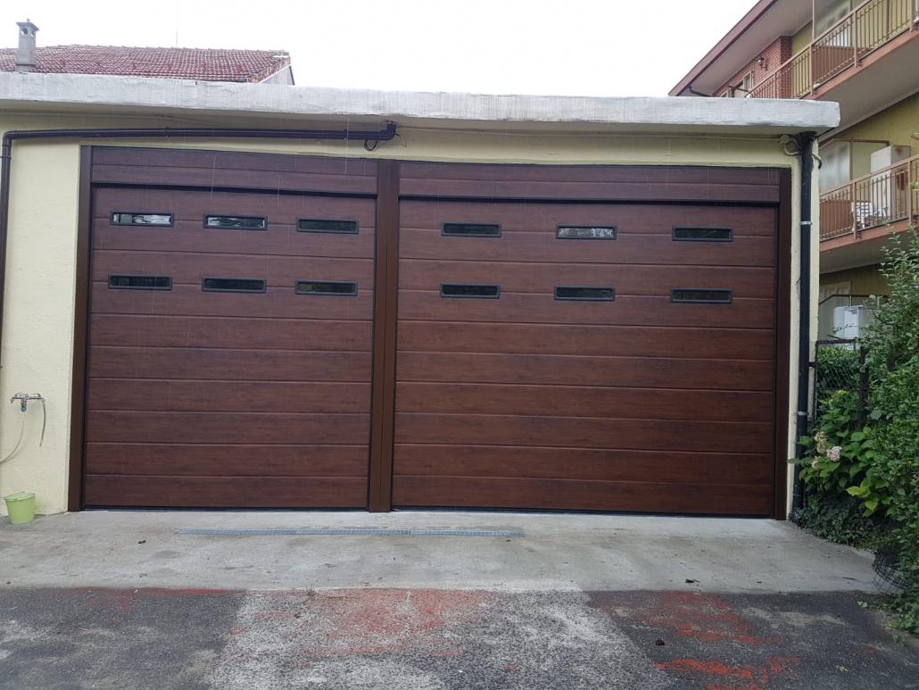 Portoni A Due Ante Per Garage Prezzi.Porte Garage Effetto Legno Armo Caratteristiche E Brochure